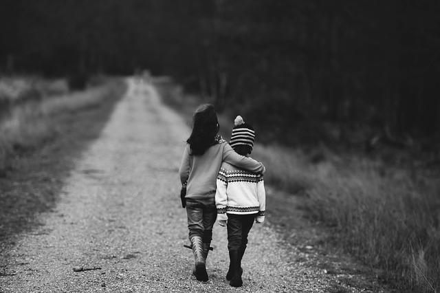 Adopcja dziecka przez samotną matkę
