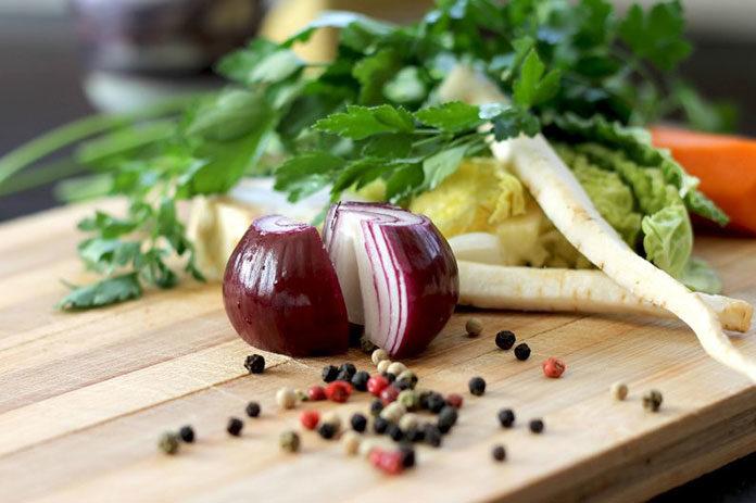 Jak zrobić syrop z cebuli i na co on pomaga?